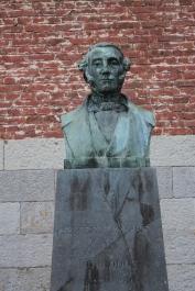 LE MONUMENT E.-F de DORLODOT